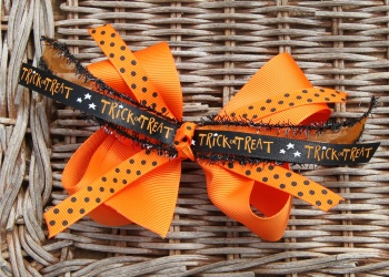 Orange Trick or Treat Halloween Bow